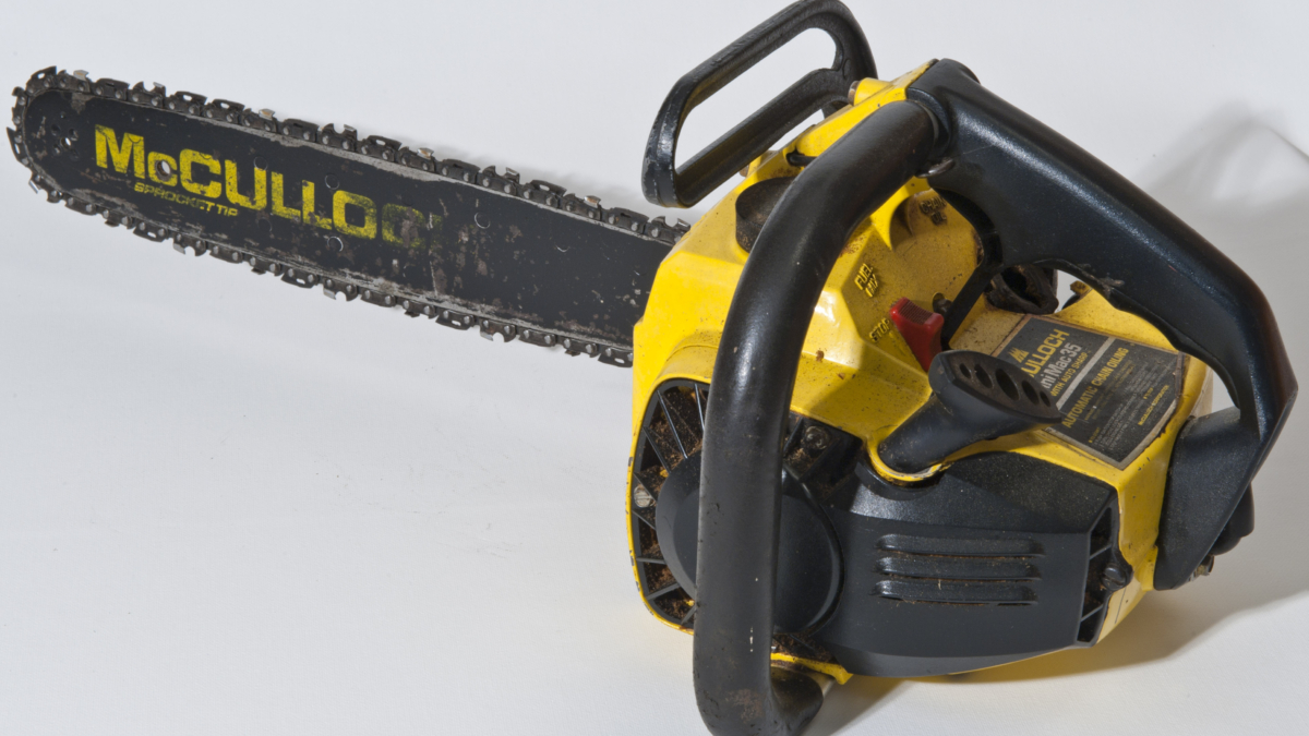 Why were chainsaws invented & Use of Chainsaw?