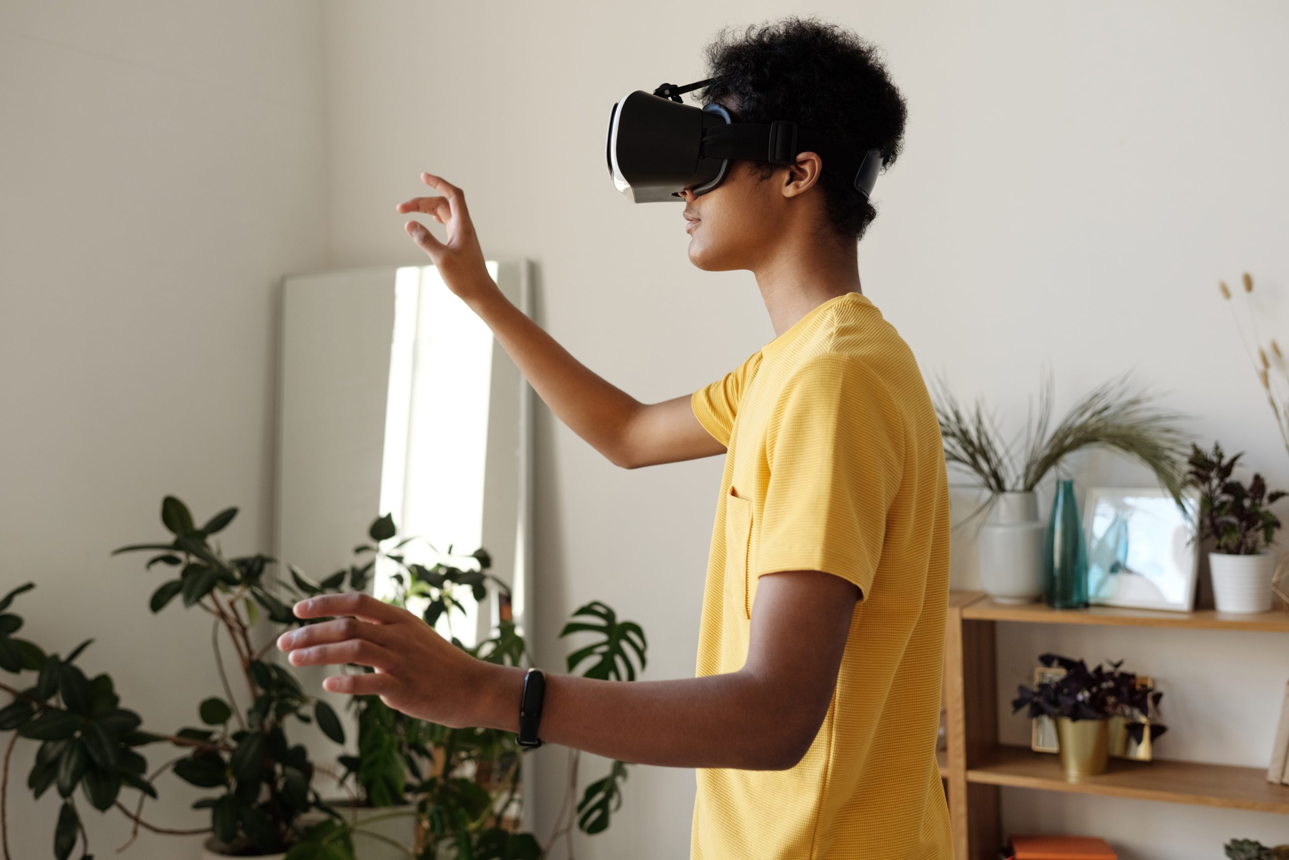 How Companies Can Benefit From Using AR/VR Technology In Employee Training